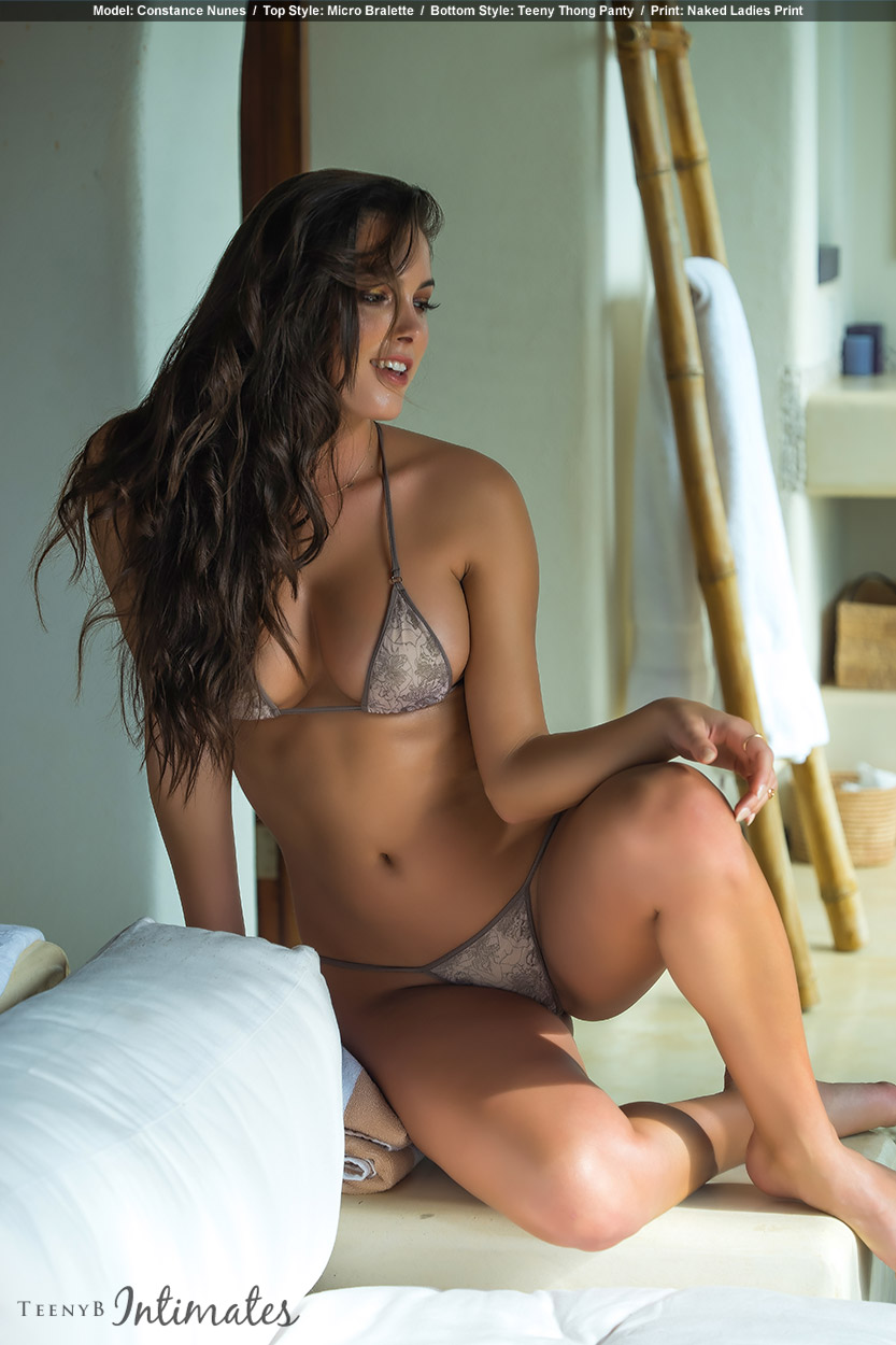 arianna-sinn-nude-lingerie-model-sexchin-cumshot-speculum